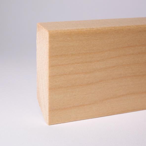 Massivholz Sockelleiste abgeschrägt 80mm - Ahorn gelackt